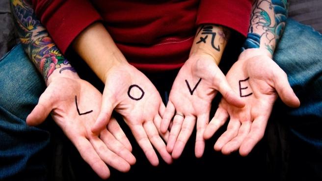 Love-Hands-1280x720