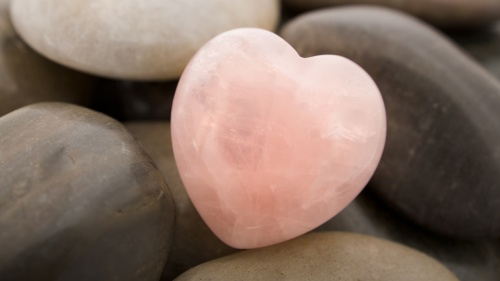 Pink-Heart-Stone-1280x720