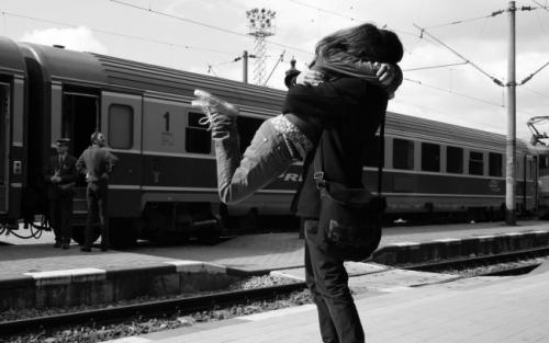 Lovers-Hug_tn2