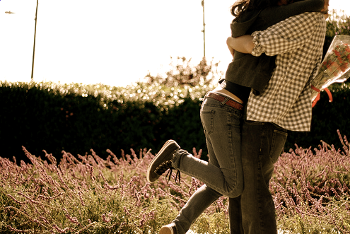 Couples-hugging-love-35160075-495-331