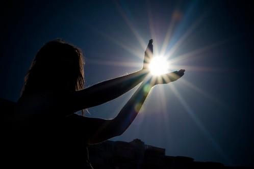 holding-light-in-darkness1