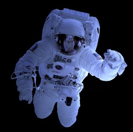 space-suit-1848839_960_720.jpg