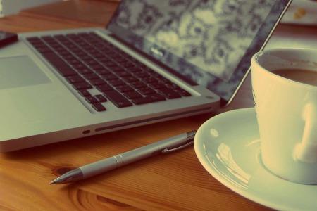 macbook-925480_960_720