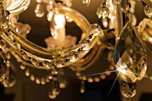 chandelier-448719_960_720