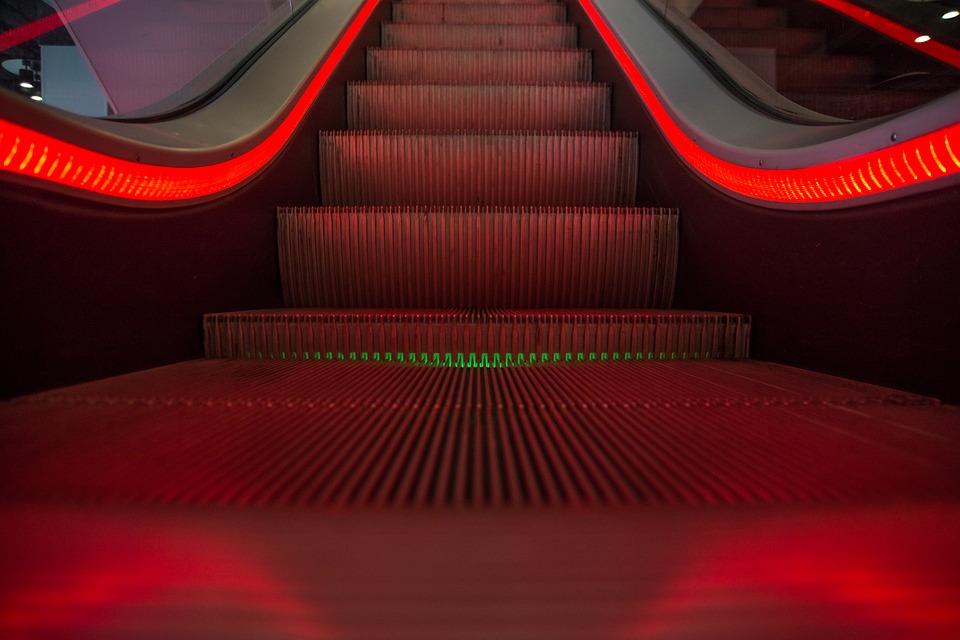 escalator-1746279_960_720