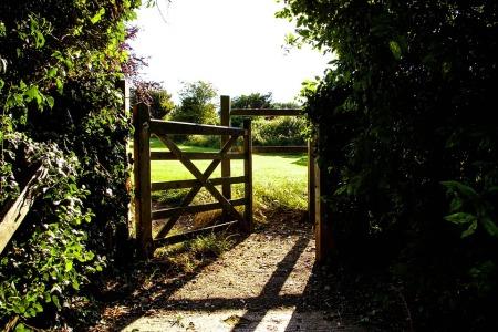 gate-419890_960_720