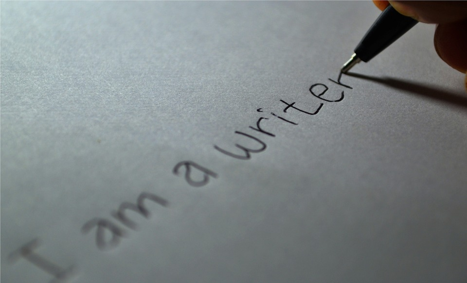 writer-605764_960_720